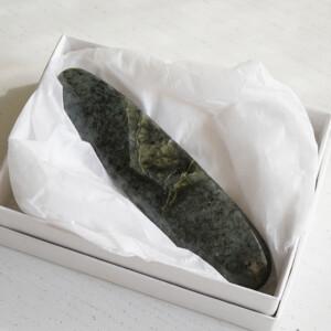 塩原氏が加勢先生に勧めた石、ネフライト-クォーツ